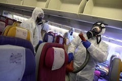 Làm thế nào để phòng tránh virus corona khi đi máy bay?