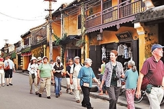 "Good relations of ""emigrants"" in Hoi An Ancient City"