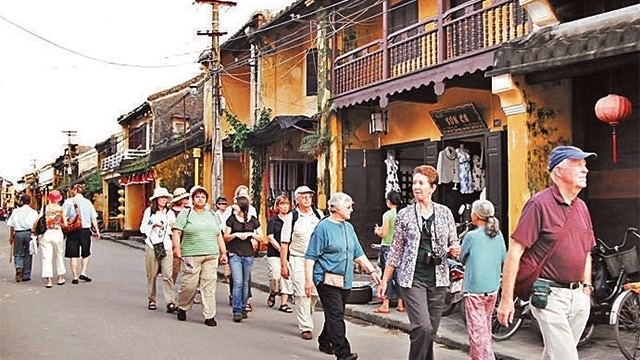 """Good relations of """"emigrants"""" in Hoi An Ancient City"""