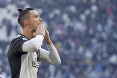 """Ronaldo đón sinh nhật 35: """"Tôi thừa sức đá đến tuổi 40"""""""