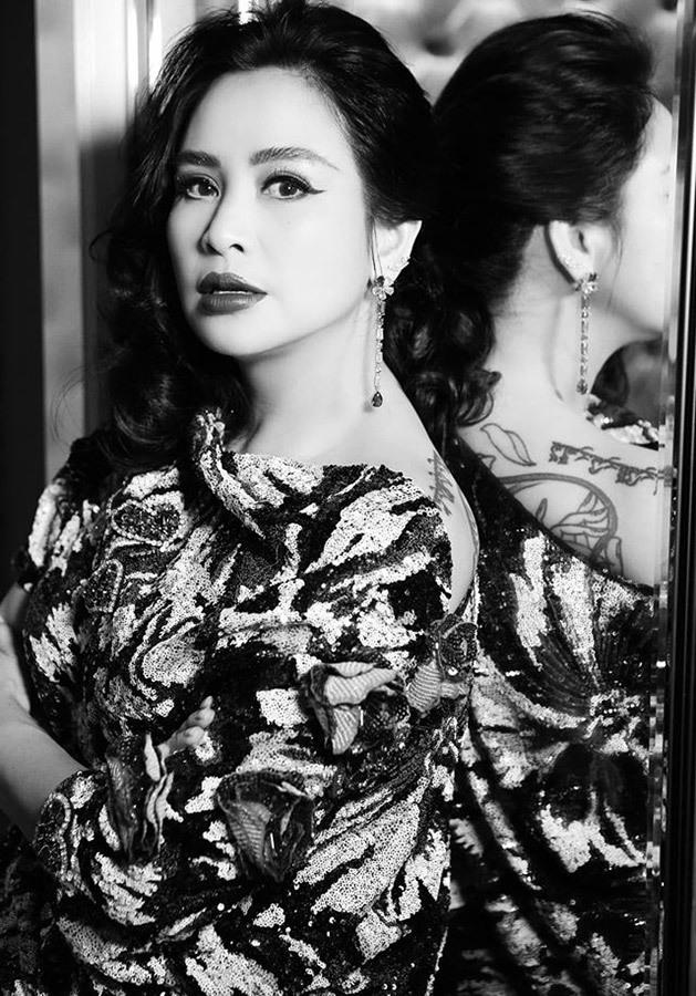 5 nữ ca sĩ Việt có khuôn mặt đẹp càng ngắm càng mê