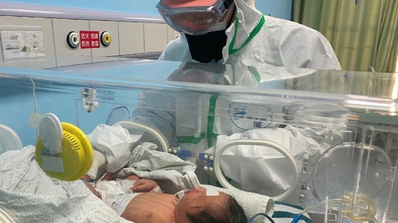 Thai phụ nhiễm virus corona có thể lây sang con