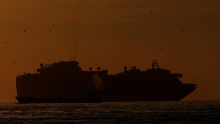 Thêm 10 người trên du thuyền Nhật dương tính với virus corona
