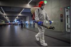 Cuộc sống của hàng trăm người trong trại cách ly virus corona ở Mỹ