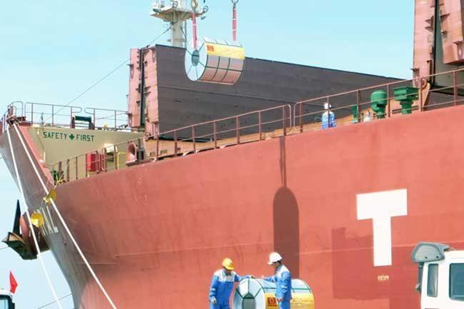 Vietnam posts trade deficit of US$232 million in Jan
