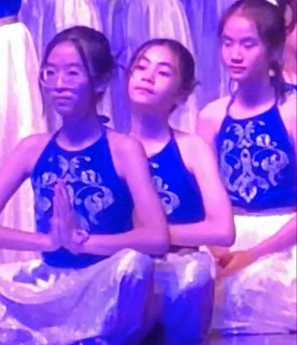 Con gái Quyền Linh được khen múa đẹp như nghệ sĩ