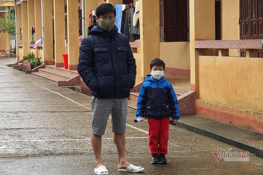 Công dân nhỏ tuổi nhất trong khu cách ly tại Lạng Sơn