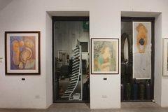 Fine arts students showcase silk paintings