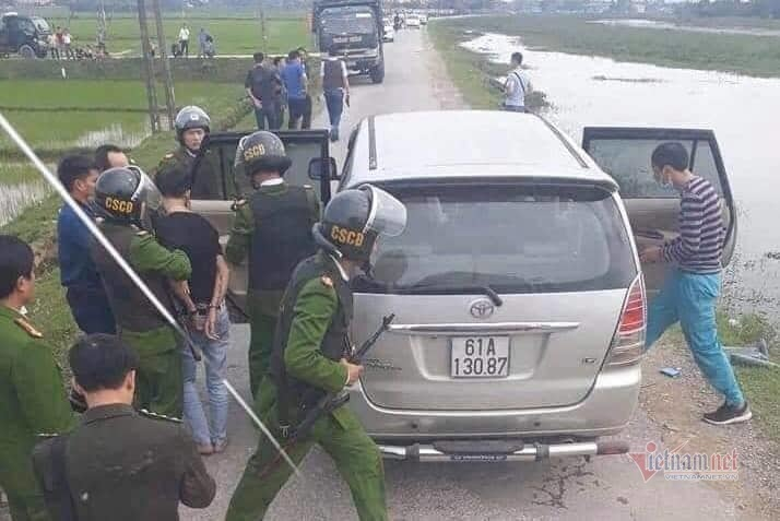 2 thanh niên Hà Tĩnh mang 45kg ma túy đá... để lấy tiền công