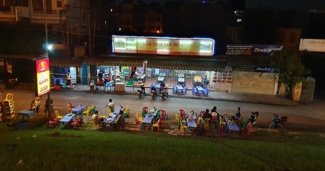 Các nhà hàng thua lỗ nặng do tác động của Nghị định 100 và dịch cúm corona