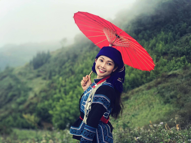 Đời thường gợi cảm của MC có nụ cười đẹp nhất VTV