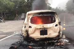 Ô tô phát nổ khiến 2 người tử vong: Bình xăng có phải là thủ phạm?