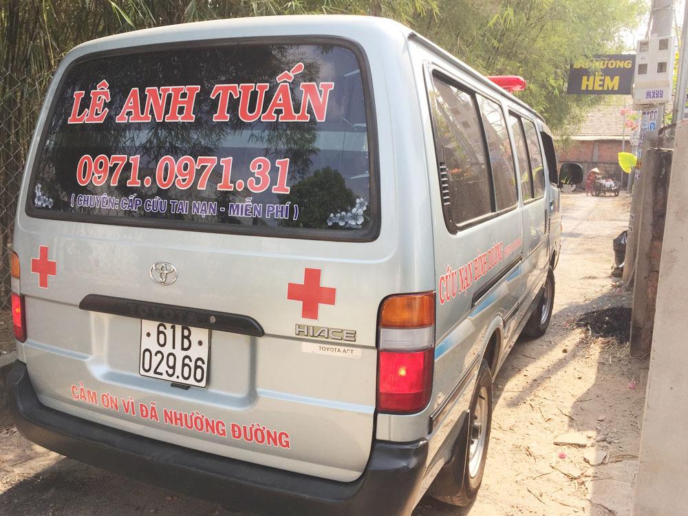 300 chuyến xe cứu người của chàng trai Bình Dương