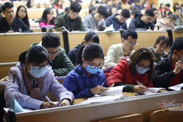 Hơn 40 trường đại học tiếp tục cho sinh viên nghỉ hoặc học tại nhà