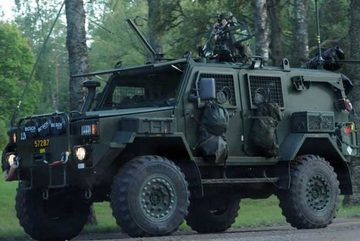 """Ly kỳ vụ xe quân sự bọc thép Thụy Điển """"bốc hơi"""" không tăm tích"""