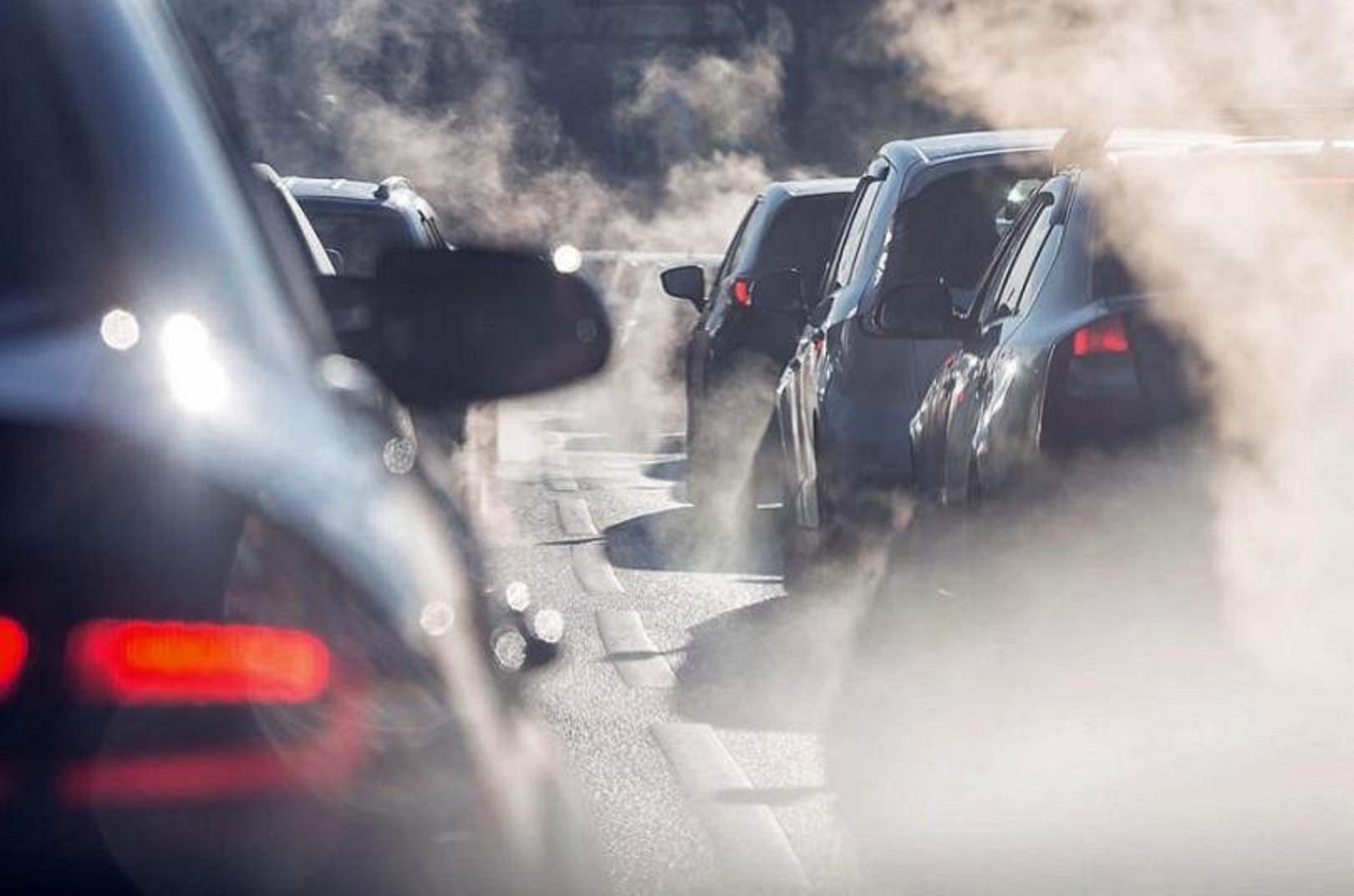 Anh tuyên án tử với xe chạy xăng, dầu và xe lai kể từ năm 2035