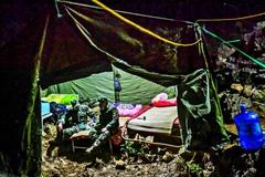 Những người lính 'ăn lán, ngủ rừng' nơi biên giới chống dịch corona