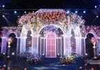 Không gian tiệc cưới lộng lẫy như lâu đài của Duy Mạnh - Quỳnh Anh