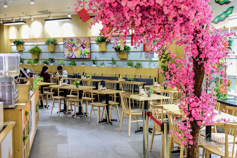 Người Sài Gòn ít đến nơi công cộng, khu trung tâm vắng vẻ