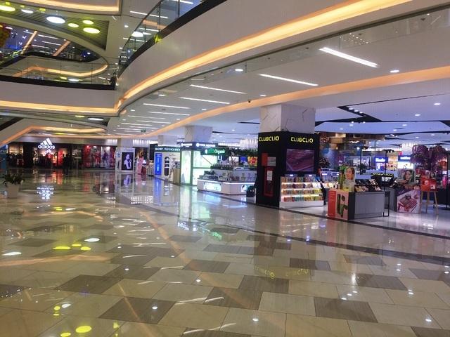 Trung tâm thương mại,virus corona,hàng quán vắng khách,hàng quán đóng cửa