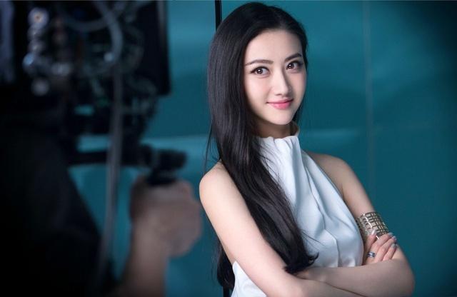Cảnh Điềm và loạt mỹ nhân Hoa ngữ bị gán mác 'thuốc độc phòng vé'