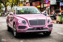 SUV siêu sang Bentley Bentayga màu hồng đầu tiên tại Việt Nam