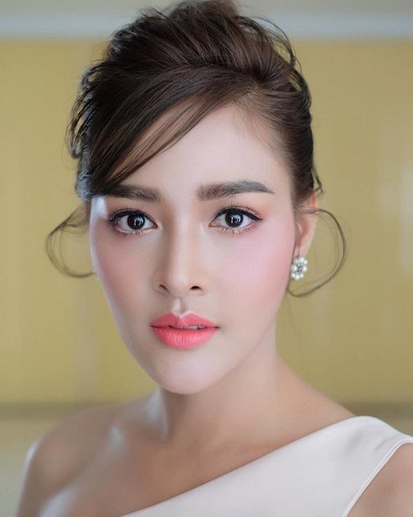 Pooklook Fonthip,Hoa hậu Hoàn vũ Thái Lan,Sao Thái