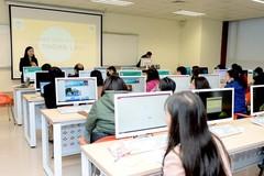 Ngày mai, 25.000 sinh viên ĐH Kinh tế quốc dân chuyển sang học trực tuyến