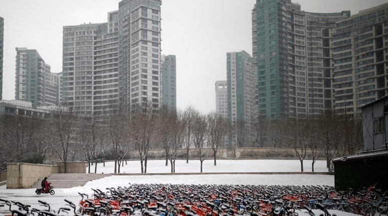 Hình ảnh các thành phố nhộn nhịp trở nên vắng ngắt vì virus corona
