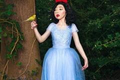 Cô gái 'quái vật' trở thành niềm tự hào của nước Anh