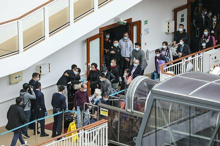 9 người nhiễm corona sau khi tụ tập ăn lẩu ở Hong Kong