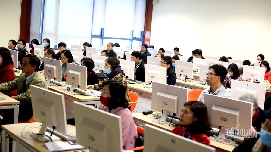 Giảng viên đi học trong mùa phòng dịch virus corona