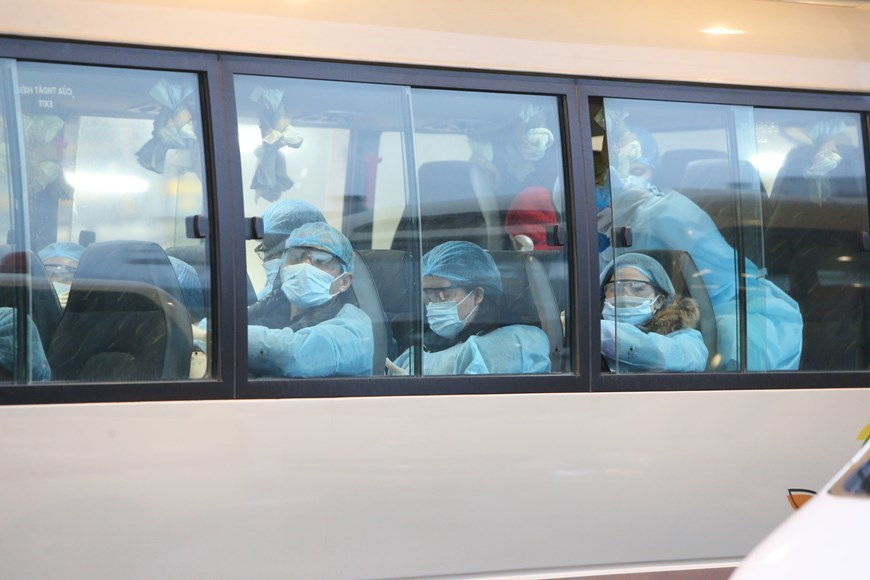 Vietnam brings 30 citizens home from Wuhan