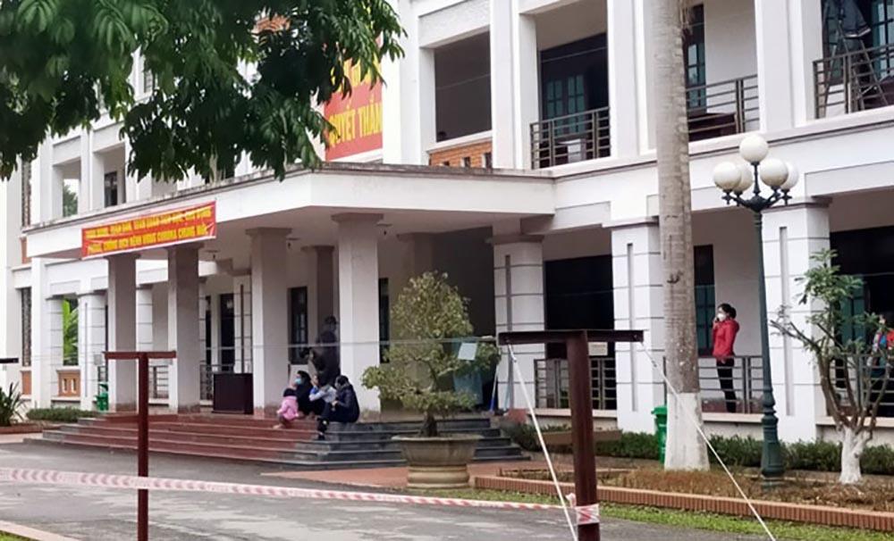 Vĩnh Phúc gấp rút lắp bệnh viện dã chiến chống dịch do virus corona