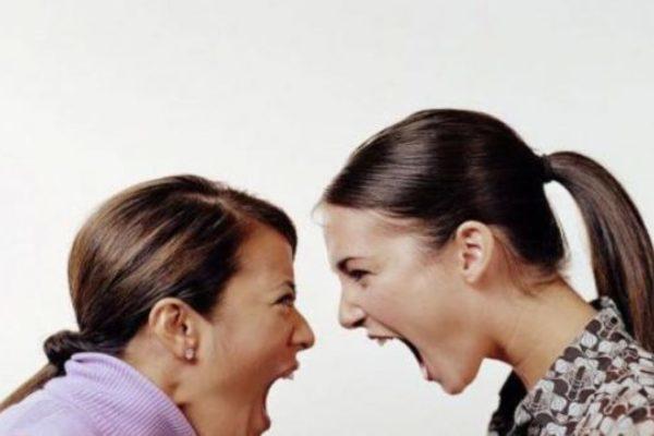 Nhắn tin hạ nhục nhau, nhân tình kiện vợ đòi bồi thường danh dự