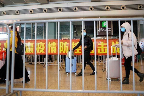 Hình ảnh hàng triệu người TQ trở lại làm việc sau kỳ nghỉ dài vì virus corona