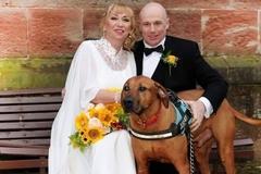 Nỗi đau của cặp vợ chồng mới cưới bị chia cắt vì virus corona