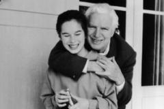 Bức thư vua hài Charlie gửi con gái: 40 năm qua, bố đã khóc nhiều hơn cười