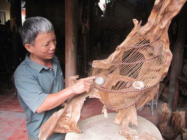 Kim Bong carpentry village struggles to keep trade alive