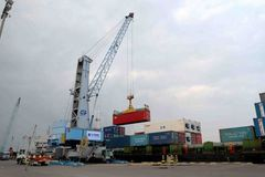VN seaport enterprises to taste the heat of novel coronavirus in Q1