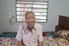 Cụ ông Sài Gòn hơn 40 năm ăn ngủ cạnh hàng chục ngôi mộ