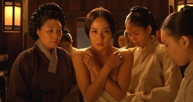 'Nữ hoàng cảnh nóng' đổi đời sau vai nữ chính 'Ký sinh trùng'