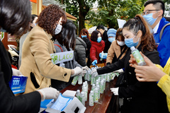 Laco tặng 40.000 chai gel rửa tay phòng dịch Corona