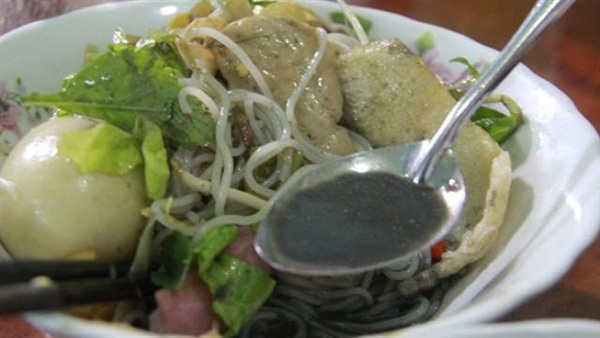 Fermented crab noodles offer taste of Pleiku