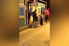 2 cha con tự xưng là công an, đấm thẳng mặt Trạm trưởng BOT ở Thái Bình