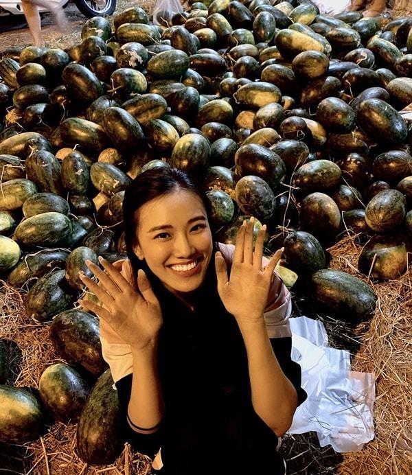 Hồ Ngọc Hà,Gil Lê,Hoàng Thùy Linh,Lê Phương,Kim Duyên,Kim Lý,BTV Ngọc Trinh