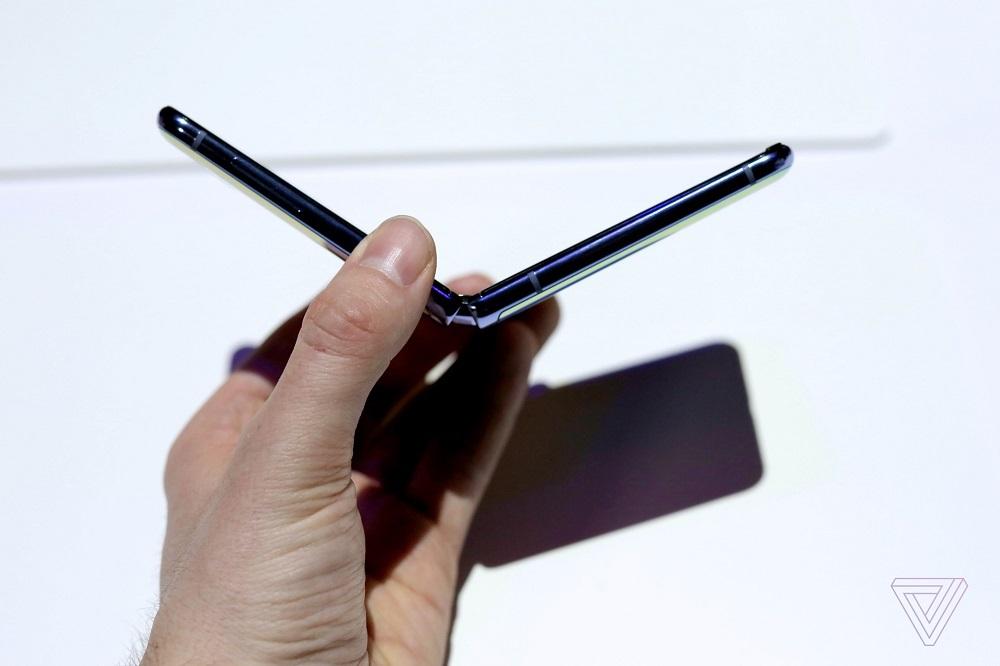 Galaxy Z Flip,Smartphone màn hình gập,Samsung