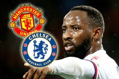 MU và Chelsea lao vào giành giật Moussa Dembele