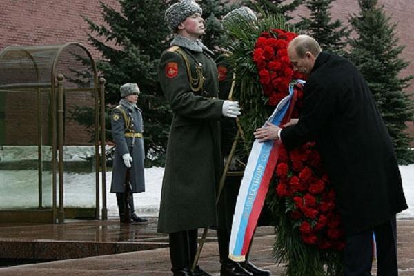 Hình ảnh ngày Bảo vệ Tổ quốc tại các quốc gia hậu Liên Xô