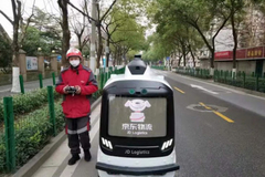 Sử dụng robot giao hàng để hạn chế lây lan corona